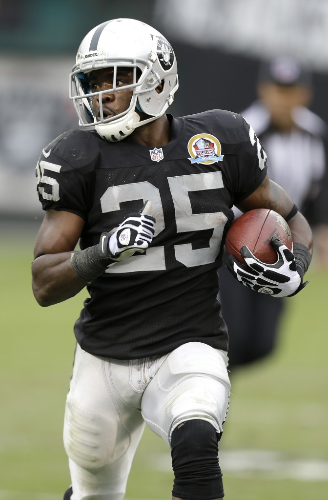 Oakland Raiders running back Mike Goodson (25) against the Kansas City Chiefs during the first half of an NFL football game in Oakland, Calif., Sunday, Dec. 16, 2012. (AP Photo/Ben Margot)