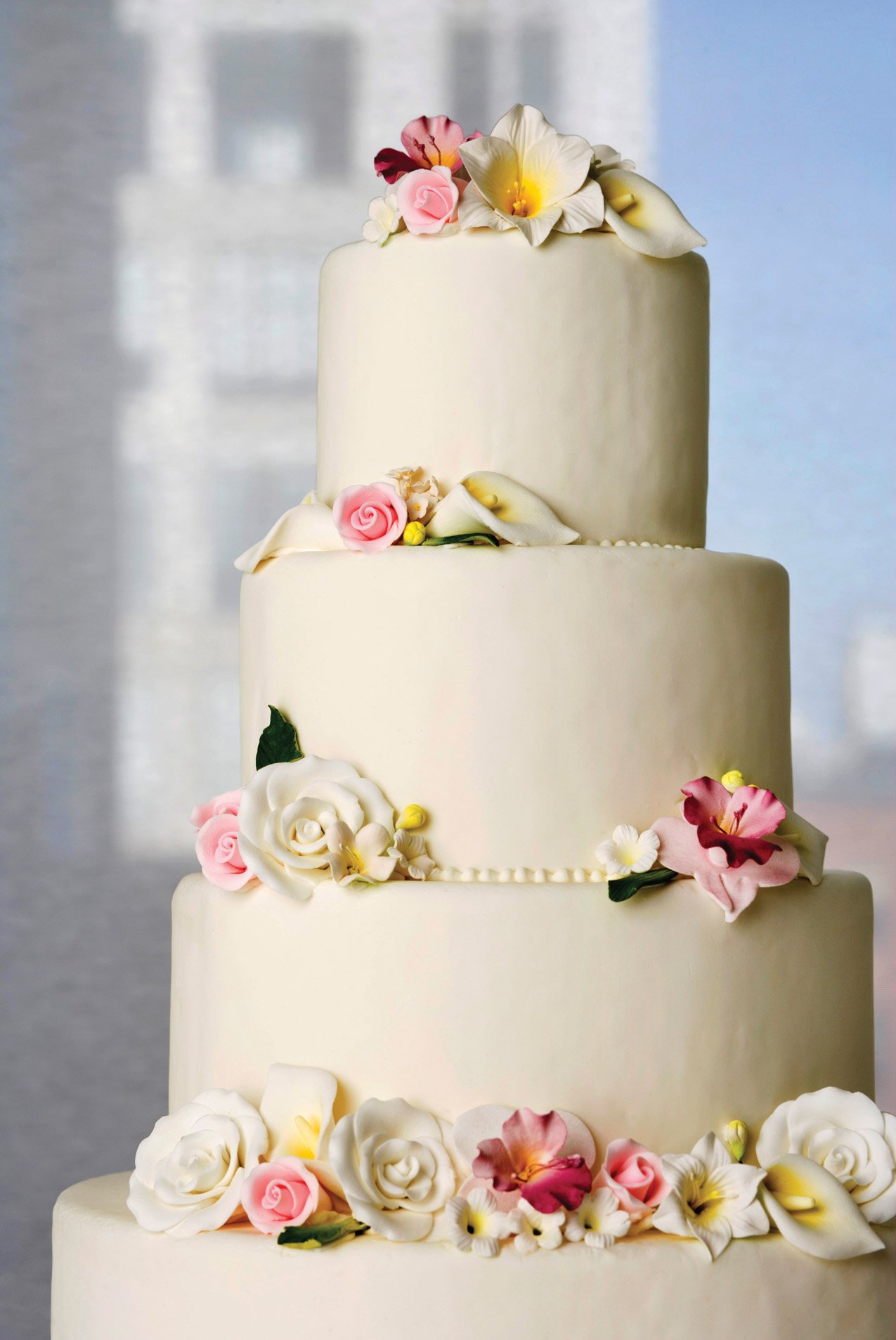 Cake-cutting etiquette and guidelines